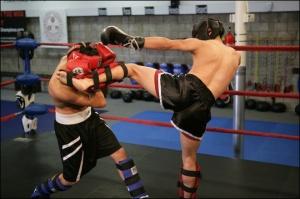 muay-thai-kickboxing