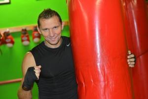 Il pluricampione e istruttore di Boxe e Kickboxing Alessio Rondelli